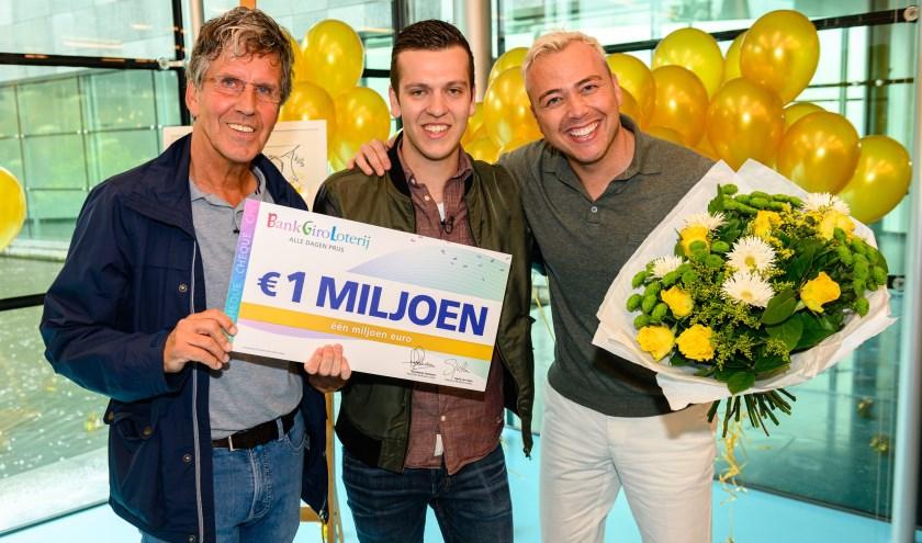 Het miljoen van Mathijs werd uitgereikt door Jamai.