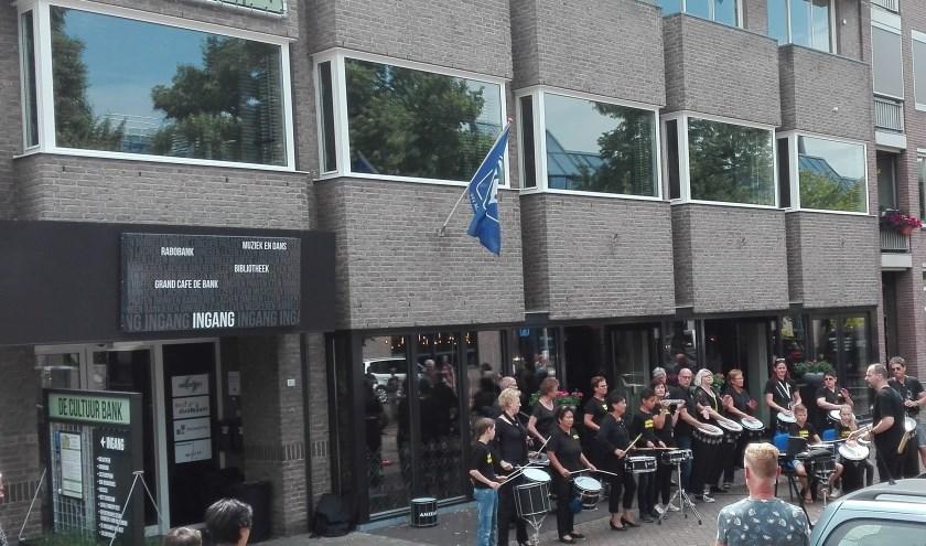 CultuurSpoor zit in zwaar weer. Het bestuur heeft het muziek- en dansonderwijs, dat ruimten huurt in het pand aan het Raadhuisplein, met ingang van 1 januari 2020 de huur opgezegd.
