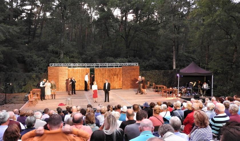 Oorlogstuig speelt nog op vrijdag 30 en zaterdag 31 augustus in Natuurtheater Joe Mann.