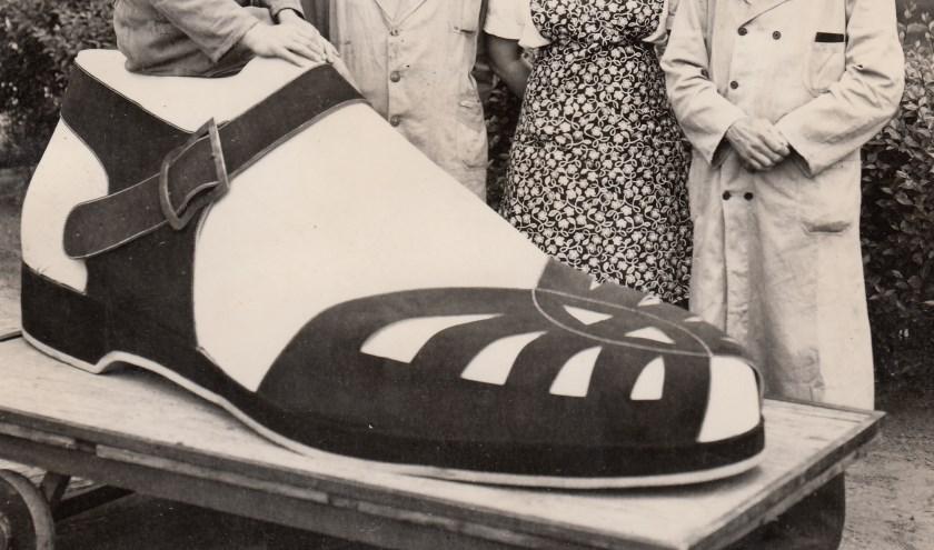 Deze grote schoen was gemaakt voor een stedenspel. Foto: C. Wittebrood