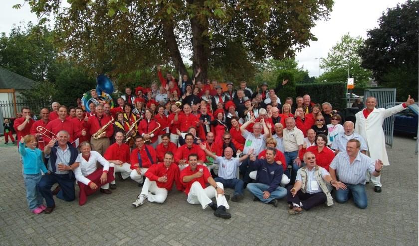 Feestbend Toeternietoe bestaat 33 jaar.