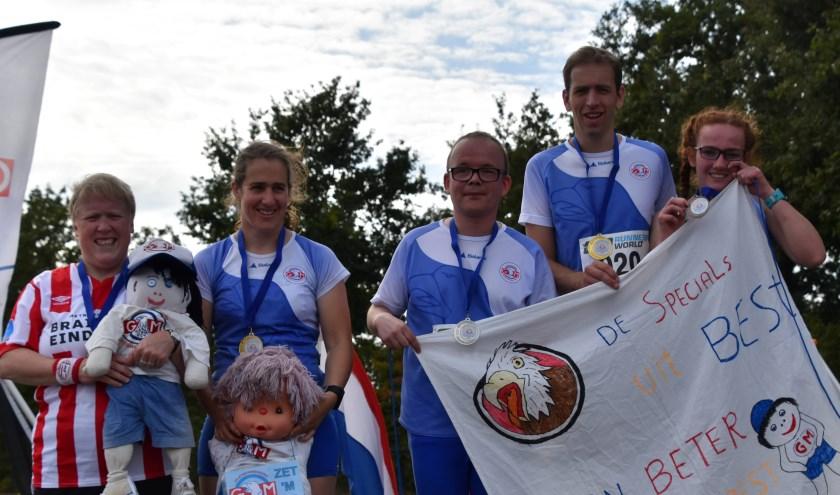 De VB-atleten Jolanda van Kuik, Marianne Verdonk, Sjoerd van den Heuvel, Martijn de Laat en Carlijn van Erp. Foto: Sandra Luijten