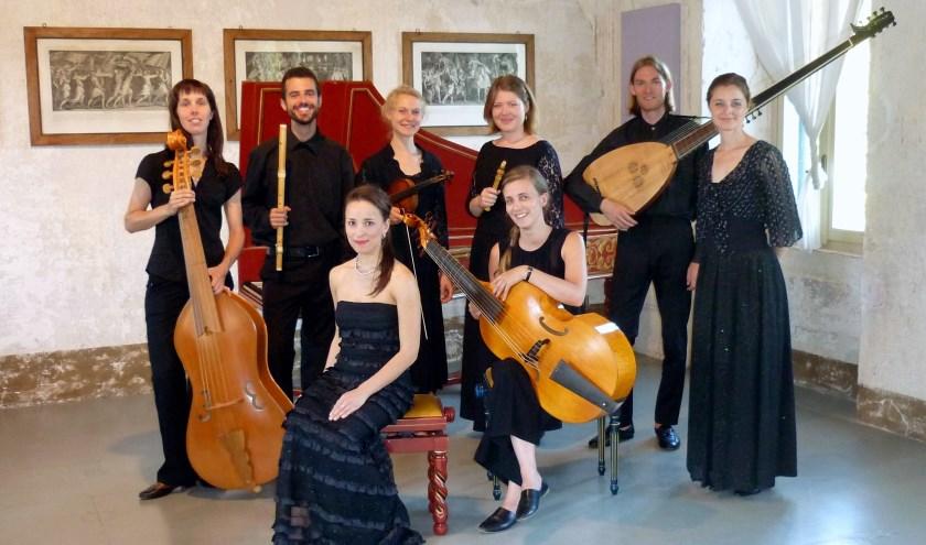 Ensemble La Favorita verzorgt het openingsconcert in de hal van het Stadhuis