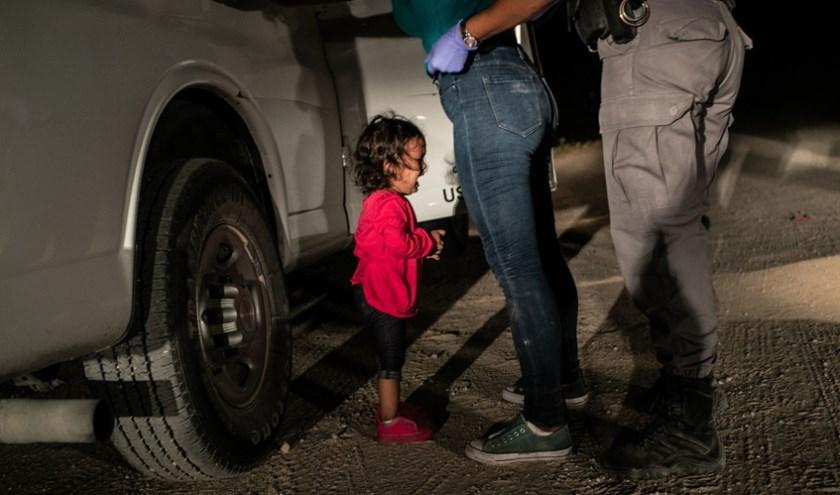 Foto: © John Moore, Getty Images. Title: Crying Girl on the Border Ook in 2019 is in 's-Hertogenbosch bij de World Press Photo Exhibition te bewonderen.