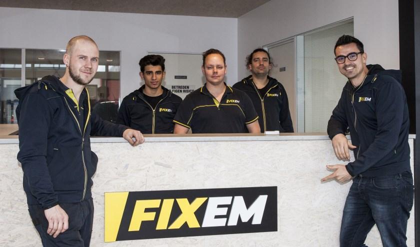 Het team van Garage Fixem staat voor u klaar. Foto: Michel van de Langenberg