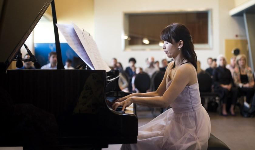 Yoshimi Kawai tijdens een van haar optredens