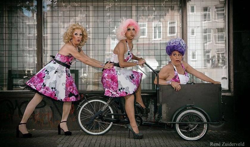 De Stiletto's zorgen maandag tijdens Pretty in Pink voor hilarische dragoptredens. Foto: René Zuiderveld