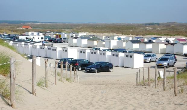 De opslag van strandhuisjes op een parkeerterrein een paar jaar geleden.