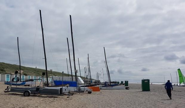 De eerste catamarans bij Paal 17.