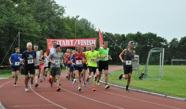 <p>Atletiekbaan in Den Burg (vóór de corona).</p>