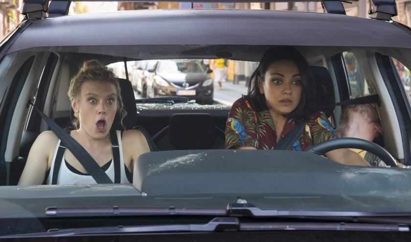"""Kate McKinnon as """"Morgan"""" and Mila Kunis as """"Aubrey"""" in The spy who dumped me"""