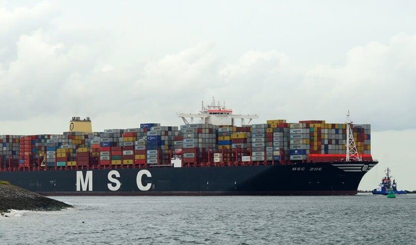 De MSC Zoë die afgelopen nacht containers verloor boven de Waddeneilanden.