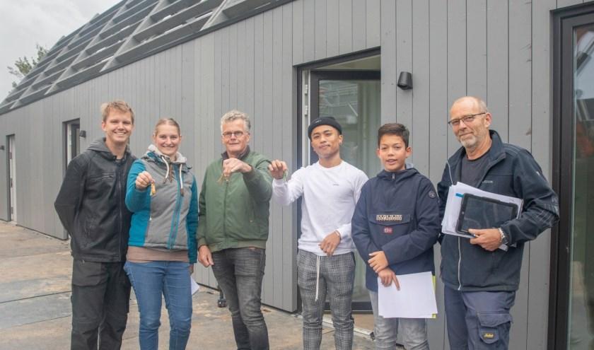 De eerste bewoners van De Tuunen kregen woensdag de sleutels van hun huurwoning.