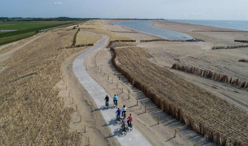 In deze film ontdek je wat er de afgelopen jaren met de dijk van Texel is gebeurd om te zorgen dat het eiland de komende 50 jaar weer beschermd is tegen het water.