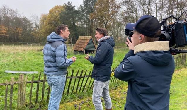 Hoofdredacteur Job Schepers interviewt Lodewijk Hoekstra bij 'de kinderboerderij 2.0'.