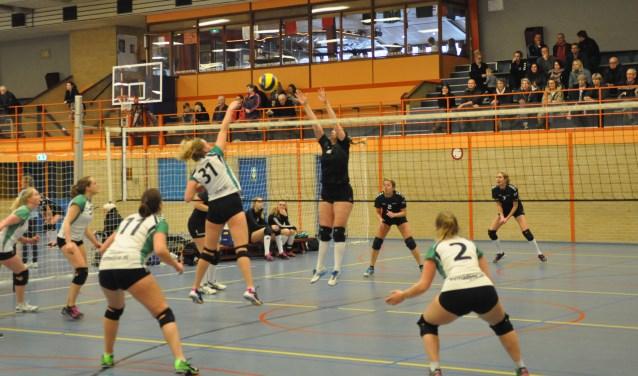 Volleybal in Ons Genoegen.