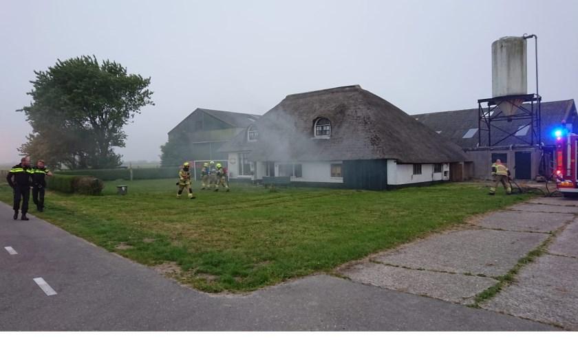 Hulp voor de woning waar brand is.