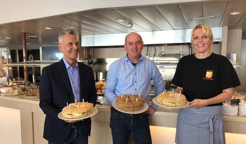 Ronald Kleinveld (HANOS), Arjen Poelman (Op de Boot) en Bea Timmer (Bakker Timmer).
