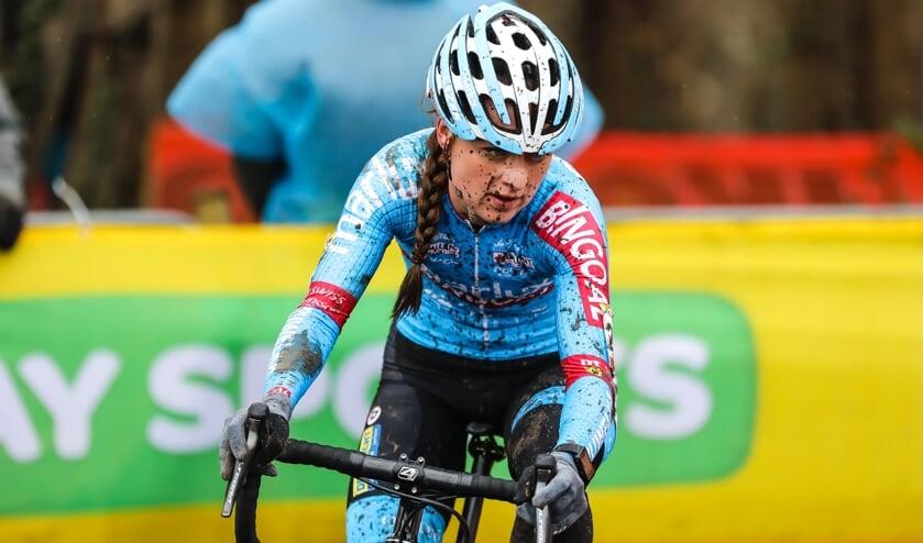 Denise Betsema tijdens de wedstrijd in Hoogerheide.