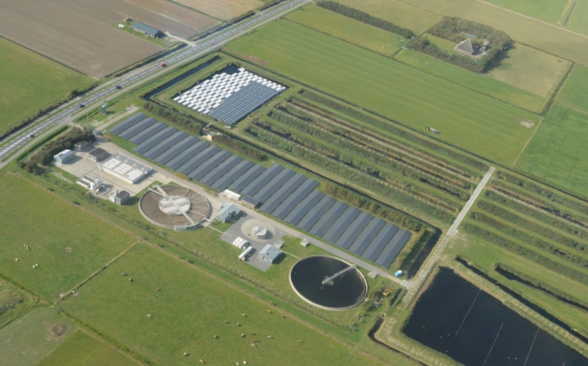 De rioolwaterzuivering van Hollands Noorderkwartier op Everstekoog.