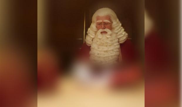 <p>Sinterklaas beraadt zich.&nbsp;</p>