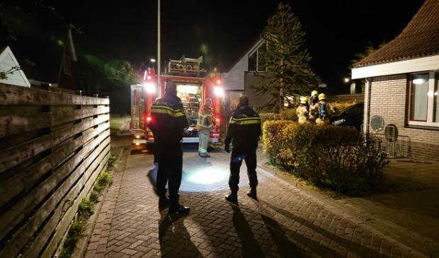 Hulpverlening bij de brand in Oosterend.