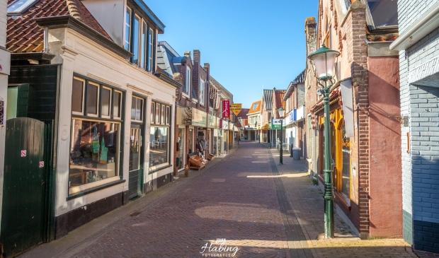 Een lege Weverstraat in Den Burg.