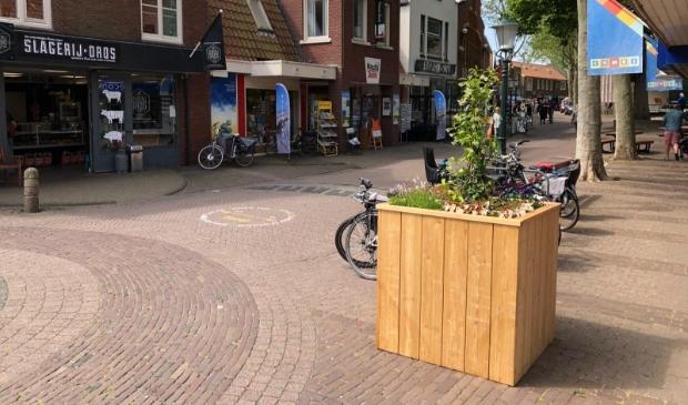 <p>Een van de bloembakken in Den Burg die uit het Ondernemersfonds werd betaald.</p>