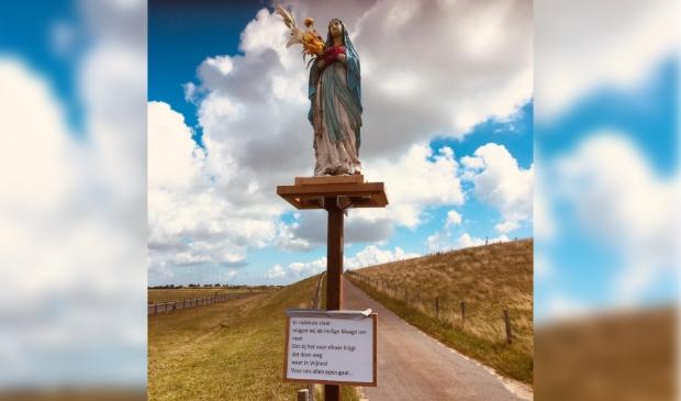 Het Mariabeeld bij de toegang tot Ceres.
