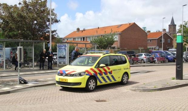 De Rapid Responder bij de bushalte aan de Elemert in Den Burg.