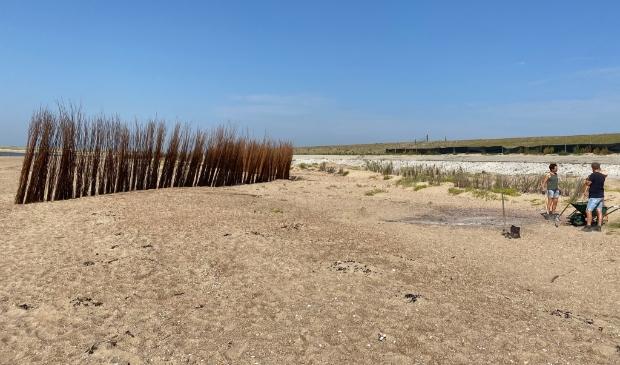 <p>De plek waar zaterdag nog het strandhuisje stond.</p>
