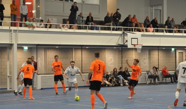 <p>Texel Futsal in actie in de TXL sporthal in Den Burg tegen Volendam tijdens de eerste wedstrijd in de eredivisie.</p>