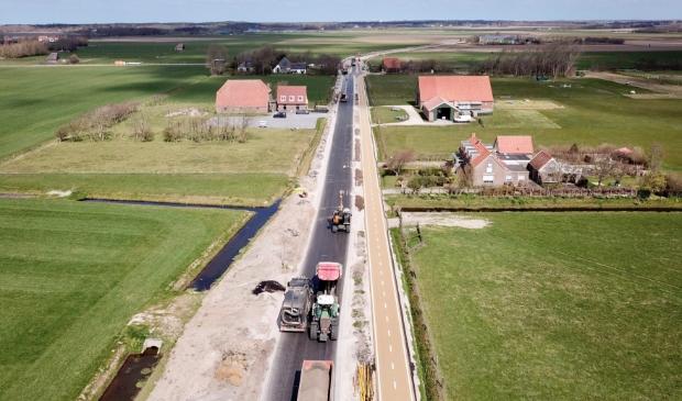 <p>De nieuwe Nieuwlanderweg in wording.</p>