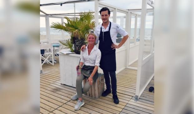 <p>Roos Pandelaar en Huub Mansvelt bij paviljoen Bries 20.</p>