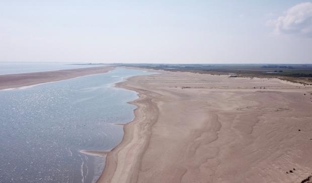 <p>Het gebied bij de Prins Hendrikzanddijk met links de strandhaak waar de hond liep.</p>