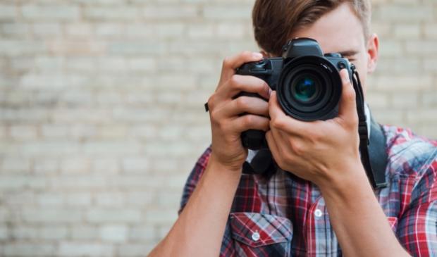 <p>De masterclass wordt gegeven door &eacute;&eacute;n van de winnaars van de Zilveren Camera.</p>