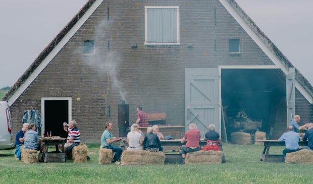 <p>Barbecue bij de boet, met uitzicht op de Hoge Berg.</p>