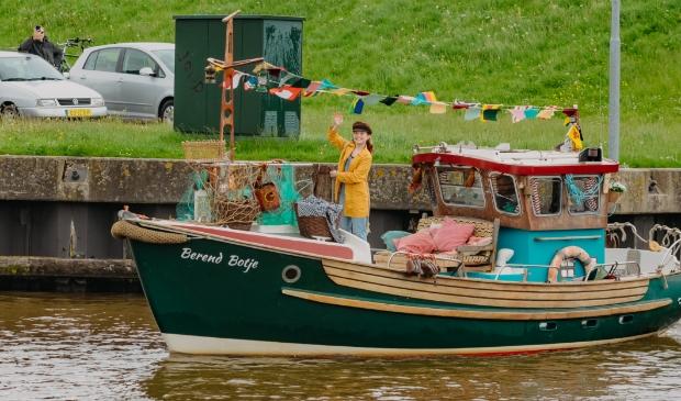 <p>Berend Botje ging uit varen, met haar scheepje naar Zuidlaren?</p>