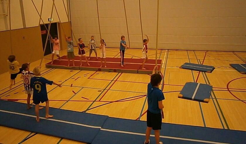 Bij Karin's Fit en Fun kan weer worden gesport in de sporthal.
