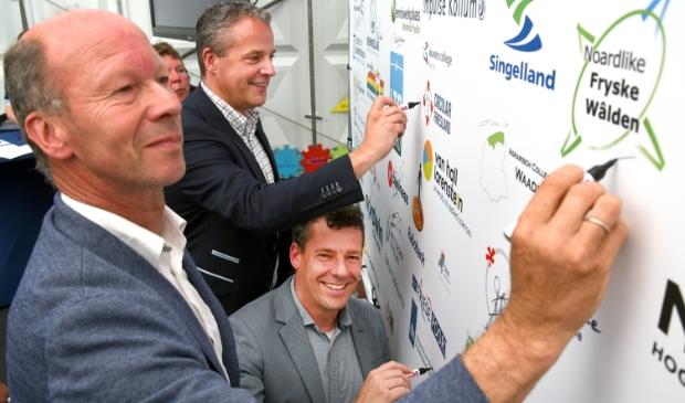 <p>Albert van der Ploeg (voorgrond) is voorman van de Noardlike Fryske W&acirc;lden,<br>belanghebbende organisatie bij behoud en onderhoud van het landschap.</p>