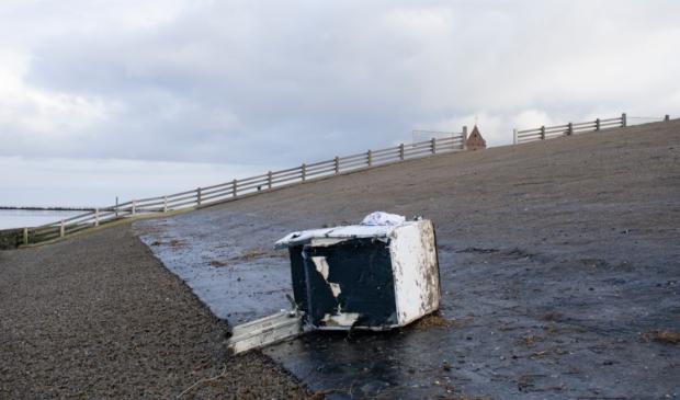 <p>Binnenkort opnieuw koelkasten en ander &#39;afval&#39; op de kust? Deze kwam uit een container van de MSC Zoe, begin januari 2019.</p>