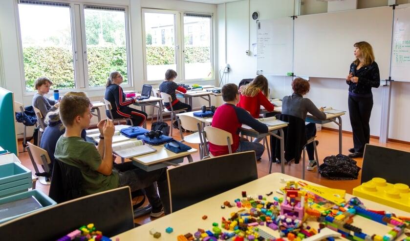 Leerlingen van het Matrix Lyceum zitten in kleinere klassen, waardoor meer persoonlijke aandacht mogelijk is.