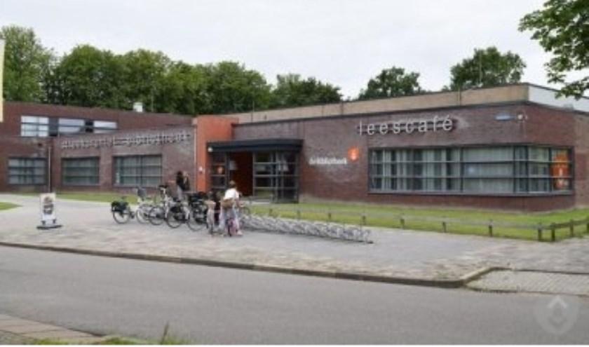De bibliotheek in Dokkum aan de Brokmui.