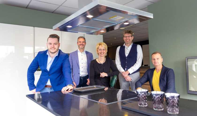 Bento Sicco van der Wal, Wilko Kronemeijer, Jeannette Postmus, Erik Koudenburg en Johan Bosker: het team van Trendkeukens.