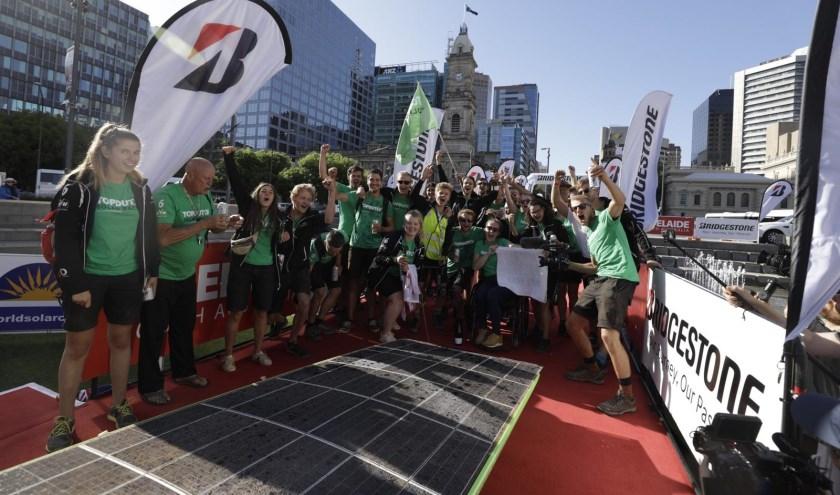 Top Dutch Solar Racing reed vanmorgen zeer tevreden over de finish in Australië. Het team met leden uit de provincies Groningen, Friesland en Drenthe deed voor het eerst mee, en eindigde als vierde.