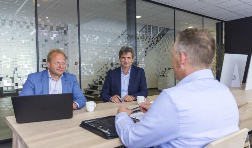 Apuls-adviseurs Jan de Vries en Jan Tabak denken mee met ondernemers die vragen hebben over hun bedrijfsvoering.
