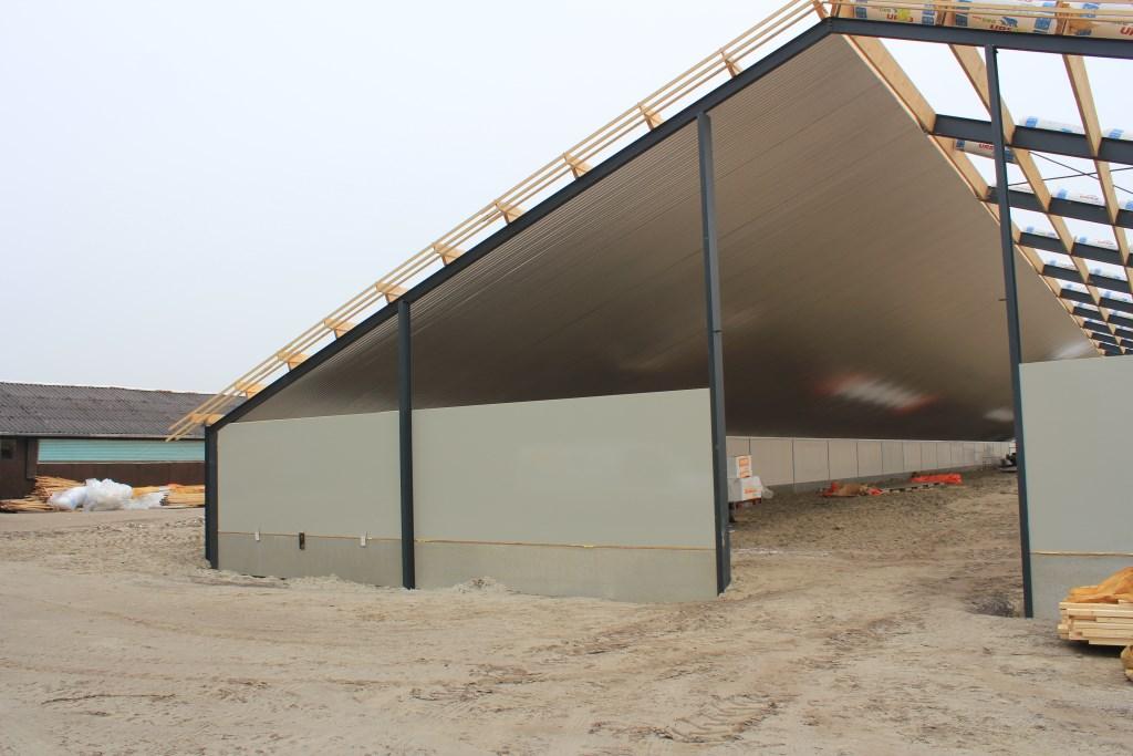 Een stal van F.A.S. Bouwgroep in aanbouw. Foto: Ingezonden © Actief Media