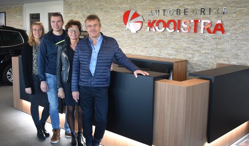 Autobedrijf Kooistra is een echt familiebedrijf. Van links naar rechts: Fennie, Denian, Anita en Anne Kooistra.