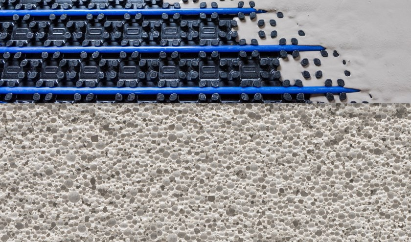 De drie onderdelen van de Thermovloer: het schuimbeton, de vloerverwarming en de gietvloer.