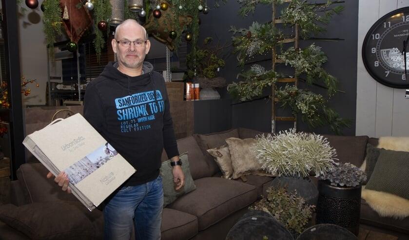 Jasper van Stijl Wonen en Zo in Leeuwarden is content met de meubels van Urban Sofa in het assortiment.